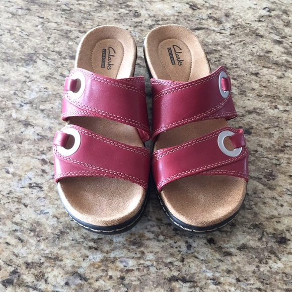 7bfa3120b01 Clarks Shoes - Women s Clark s Collection sandals size 7